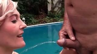 chubby milf fingering solo