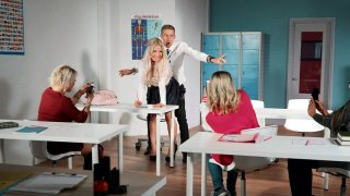 Amateur Amber Jade gets banged in the classroom